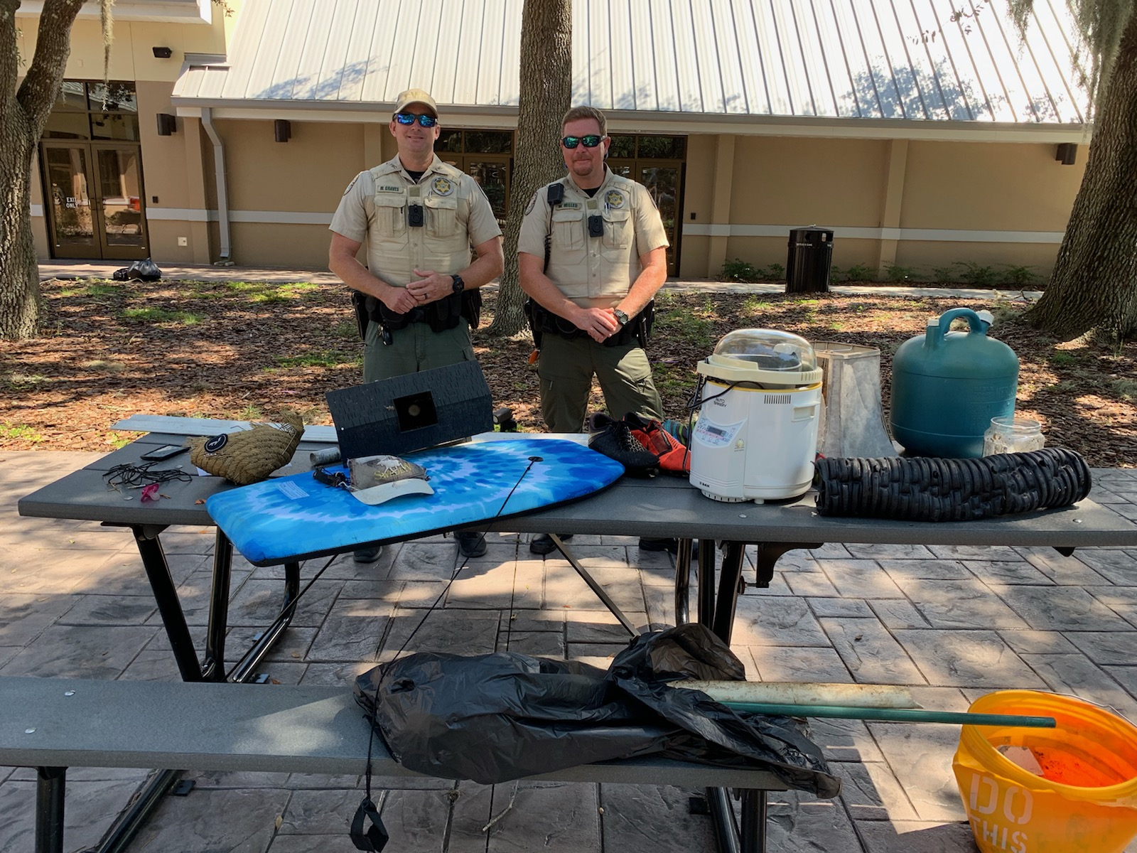 FWC Officers judging most unique finds contest